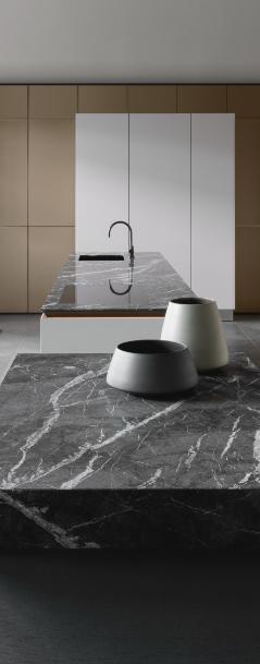 SieMatic Pure SLX Kitchen in white